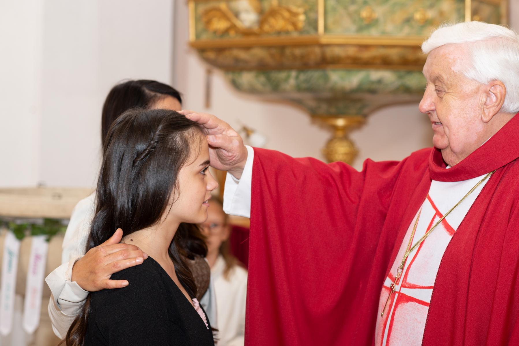 Bischof gibt das Zeichen